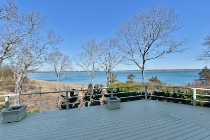 Single Family Home at East Hampton Waterfront East Hampton, NY 11937