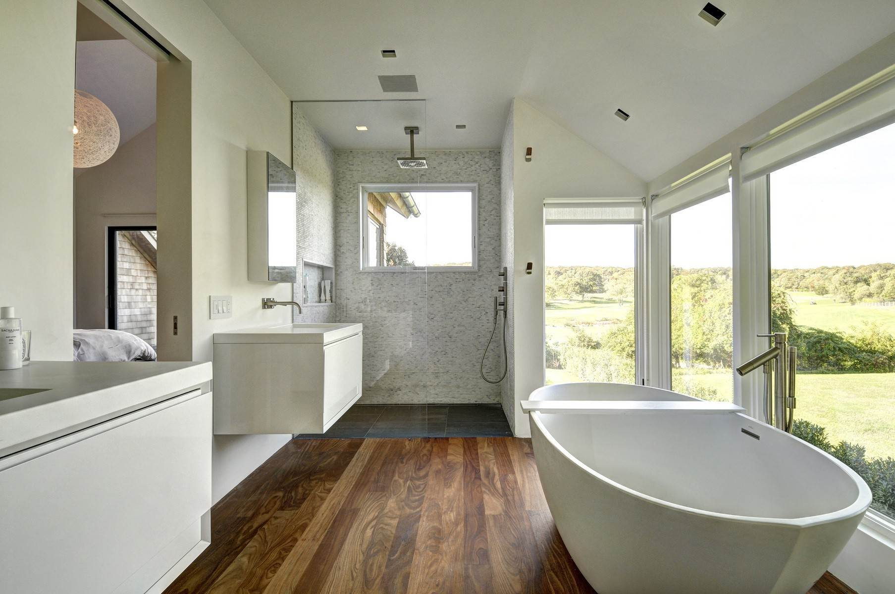 17. Single Family Home at Amagansett Modern With All The Amenities, Near To All 53 Abrahams Landing Road, Amagansett, NY 11930