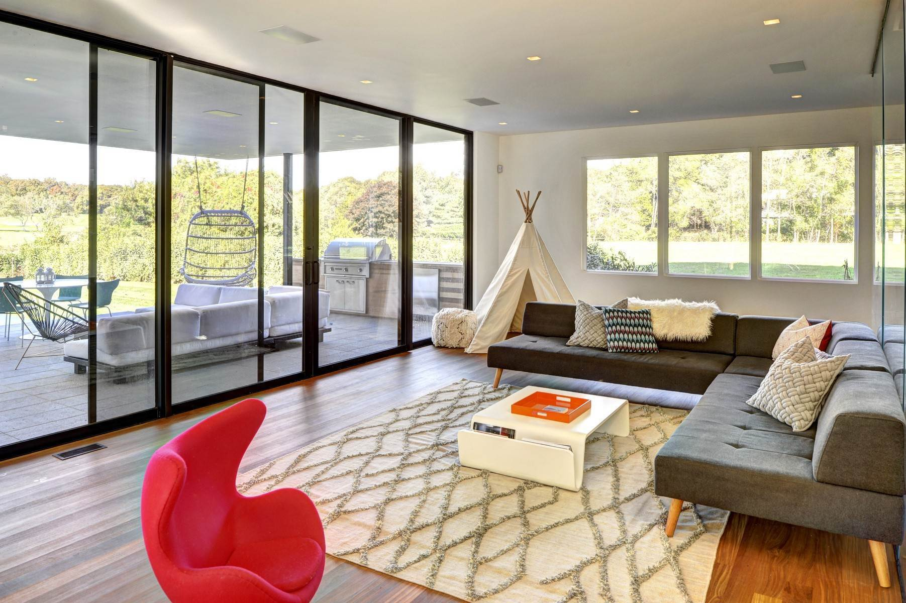 8. Single Family Home at Amagansett Modern With All The Amenities, Near To All 53 Abrahams Landing Road, Amagansett, NY 11930