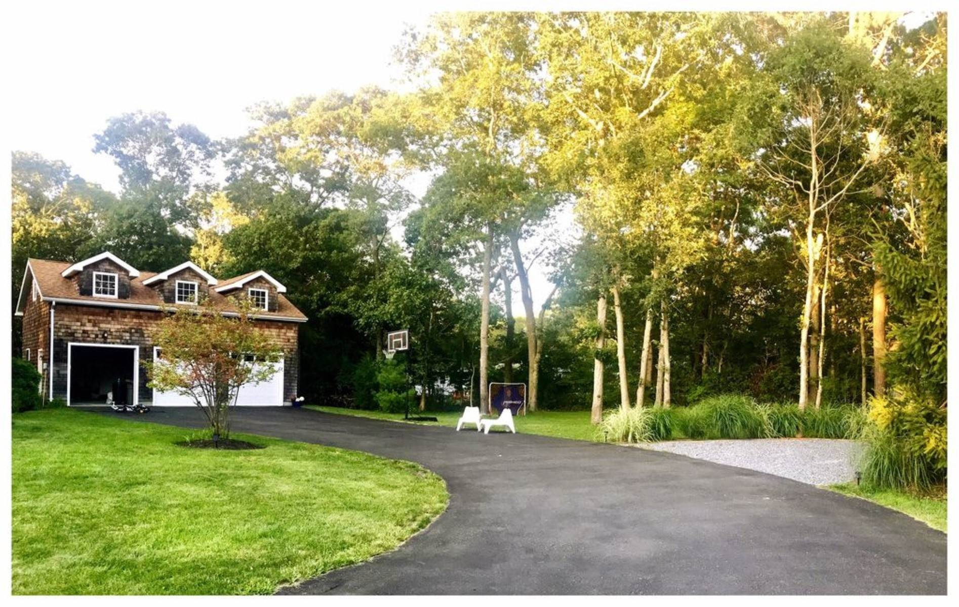 20. Single Family Home at Westhampton Beach Rental - Room For All - Heated Pool Westhampton Beach Village, NY 11978