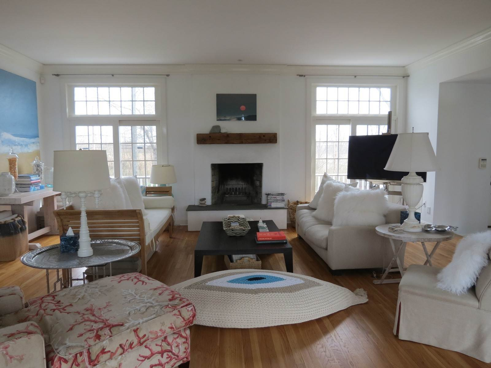 3. Single Family Home at Ideally Located Bridgehampton Traditional Bridgehampton, NY 11932