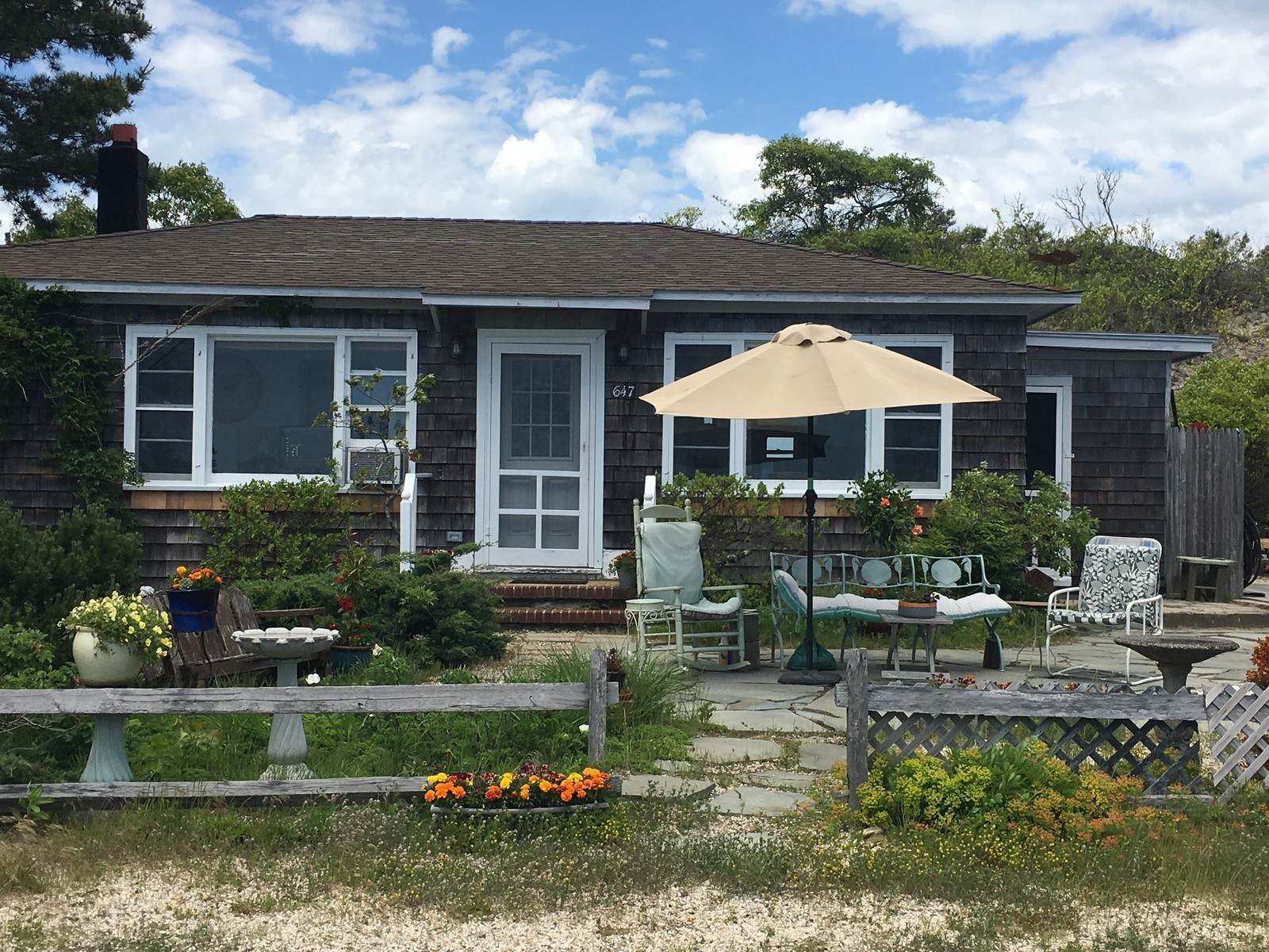 2. Single Family Home at Summer Rental Across From Swimable Bay Napeague, NY 11930