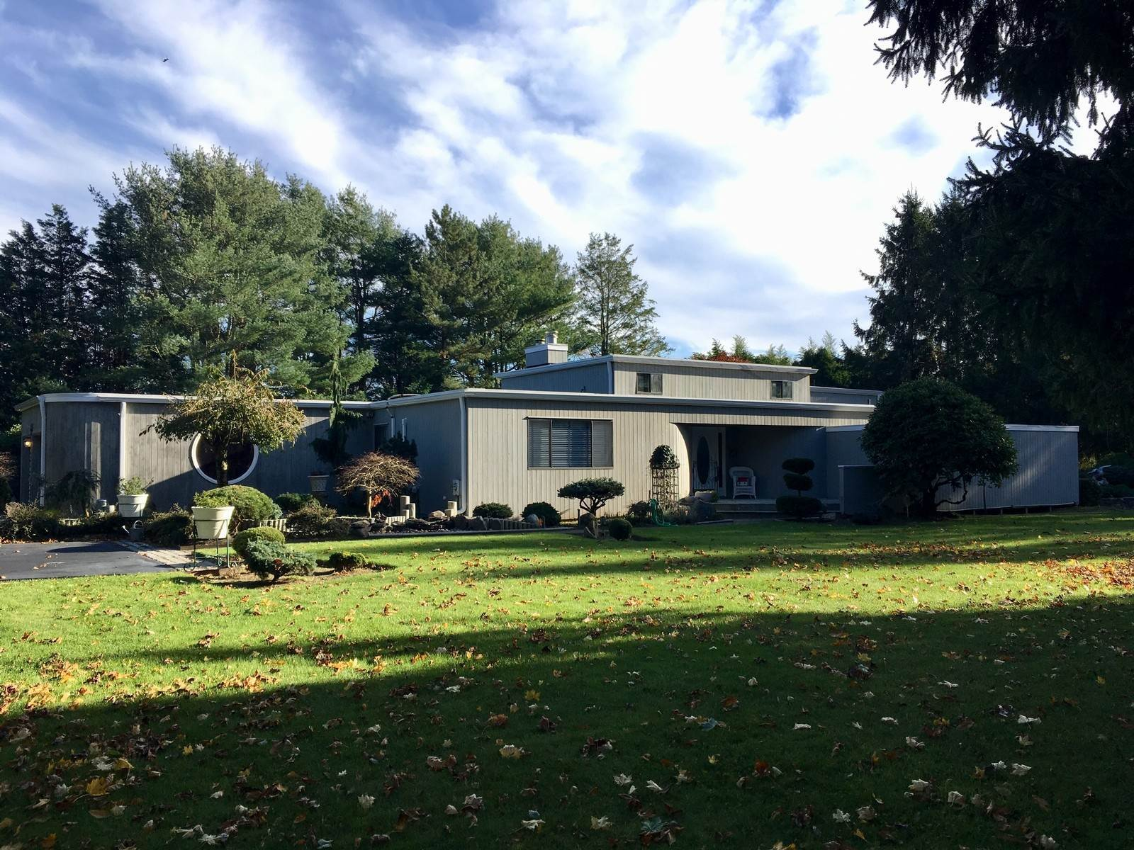 Single Family Home at Close To East Hampon Village! East Hampton, NY 11937