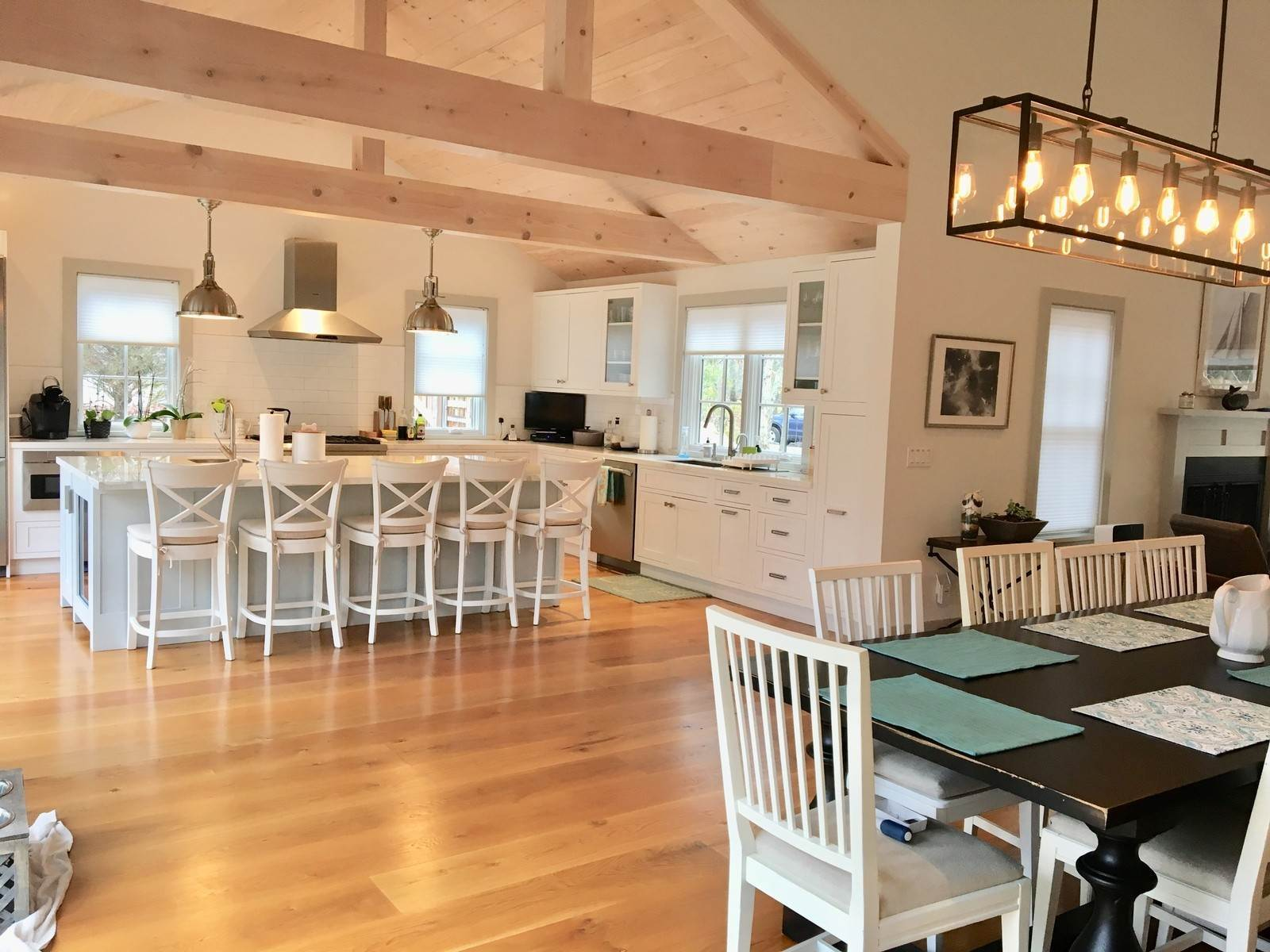 Single Family Home at Fabulously Renovated Crisp Clean 4 Bed/4 Bath In Bridgehampton Bridgehampton, NY 11932