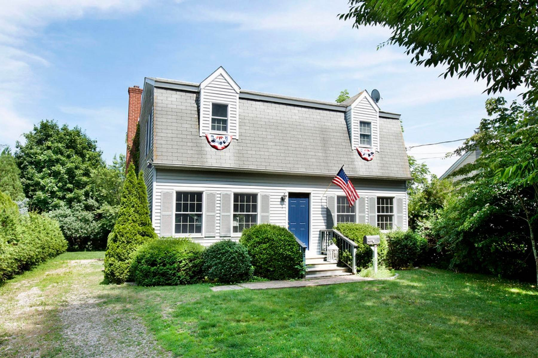 Single Family Home at Southampton Village August Rental Southampton, NY 11968