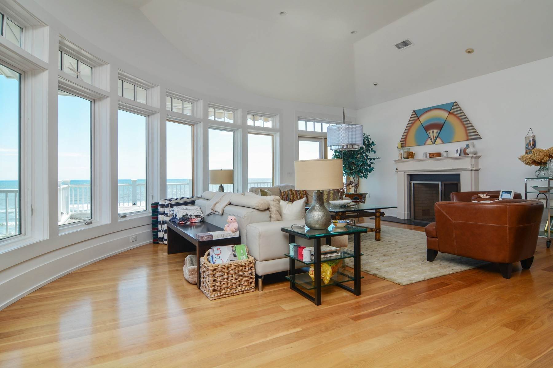 3. Single Family Home at Summer On The Ocean Montauk, NY 11954