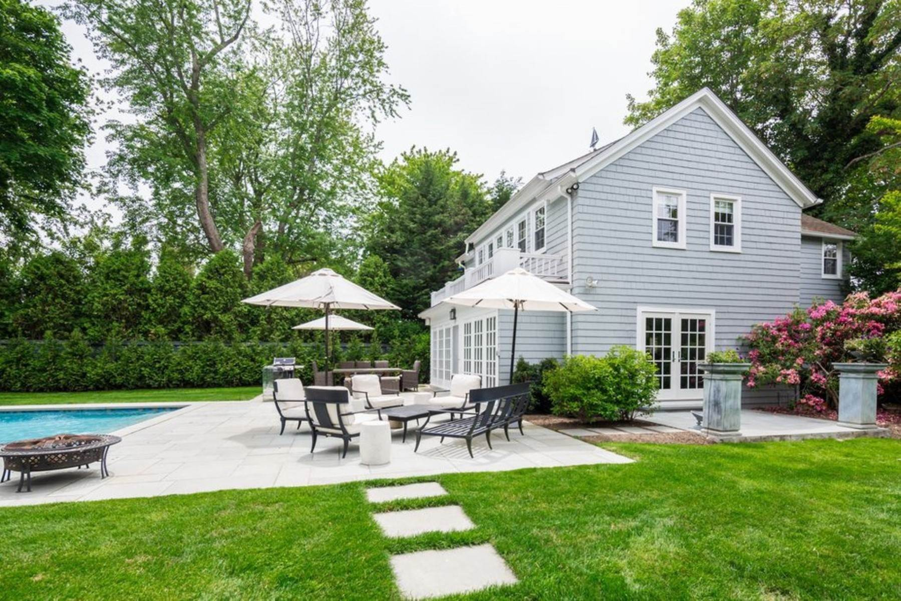 Single Family Home at Charming Carriage House Rental In Southampton Village Southampton, NY 11968